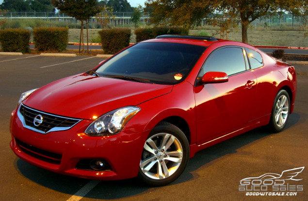 sell used 2011 nissan altima s coupe 2 door red 34k low. Black Bedroom Furniture Sets. Home Design Ideas